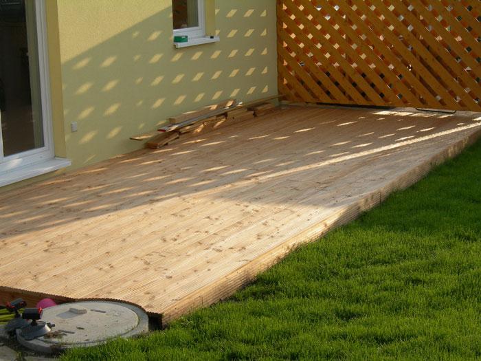 l rche terrassenholz infos bilder l rche f r holzterrassen geeignet. Black Bedroom Furniture Sets. Home Design Ideas